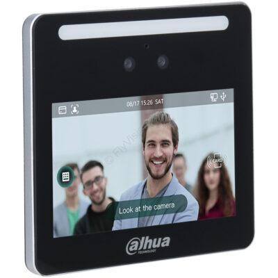 "Controlador de acceso y asistencia con reconocimiento facial   Pantalla LCD 4.3""  Lente gran angular de 2MP  Autenticación por rostros, tarjetas, contraseña  Hasta 1.500 usuarios.  Uso autónomo o por red  Control para un acceso  Exportación directa de datos por USB  RS485  Precisión de verificación 99.5 %  Uso interno"